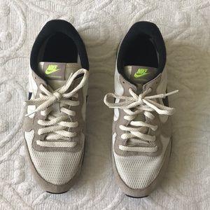 Nike retro sneakers